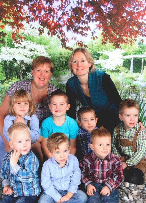 Gruppenfoto Kinderbetreuung